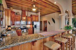 Coco Beach Seaview Penthouse - Kitchen