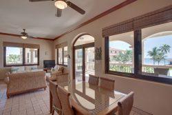 One Bedroom Luxury Seaview Suite - Dining Room