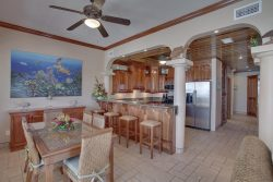 One Bedroom Luxury Seaview Suite - Dining Room/Kitchen