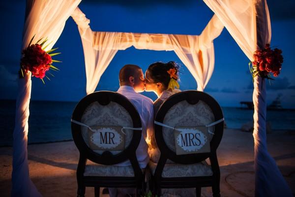 Belize Wedding Photography at Sandy Point Resort - photo by Leonardo Melendez