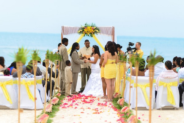 caribbean bliss belize wedding package sandy point resorts photo by leonardo melendez