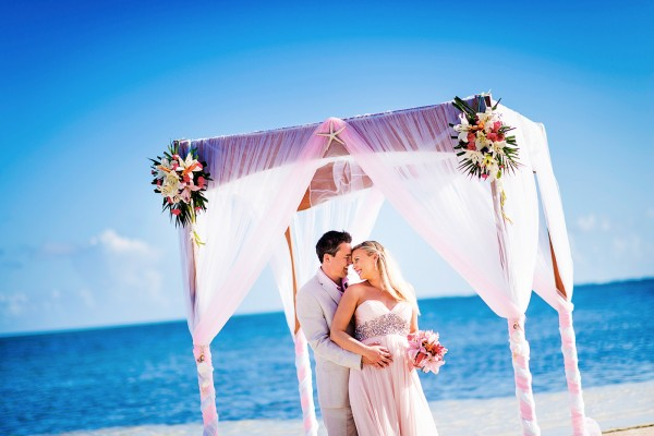 Just the Two of Us, Belize Weding Package - photo by Leonardo Melendez