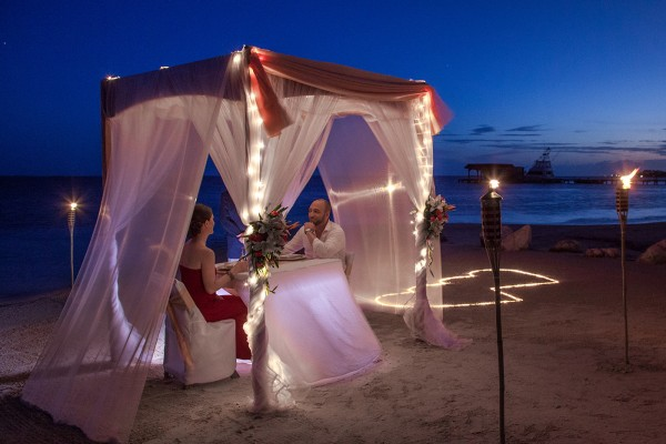 Romantic Dinners on the Beach in Belize Sandy Point Resorts