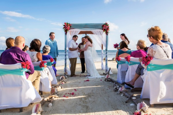 Tropical Breezes Belize Wedding Packages Sandy Point Resorts - photo by Jose Luis Zapata