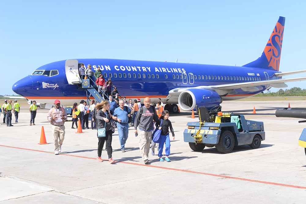 Belize-International-flight-arriva