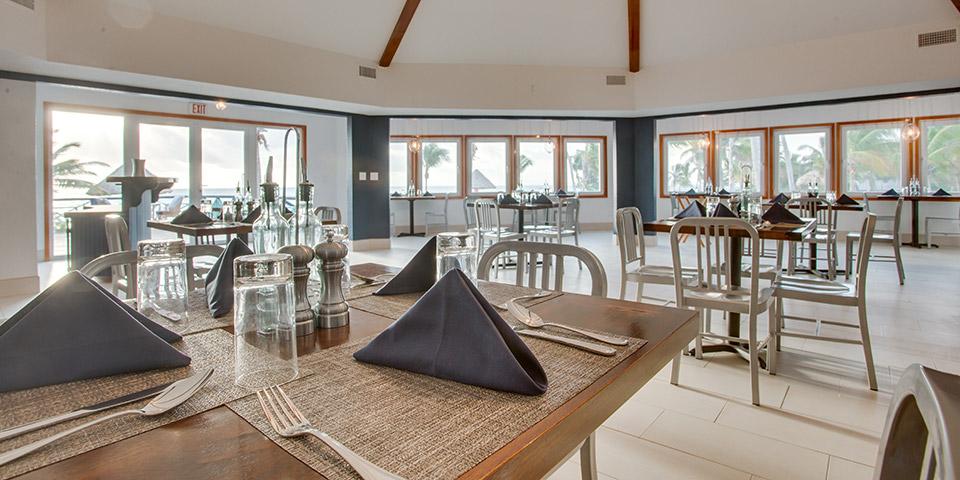 Blu Restaurant at Costa Blu Resort