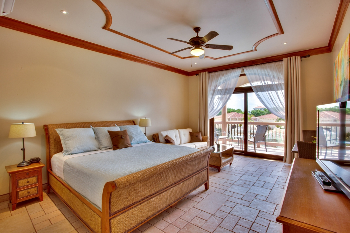 Luxury Hotel Rooms At Coco Beach Resort