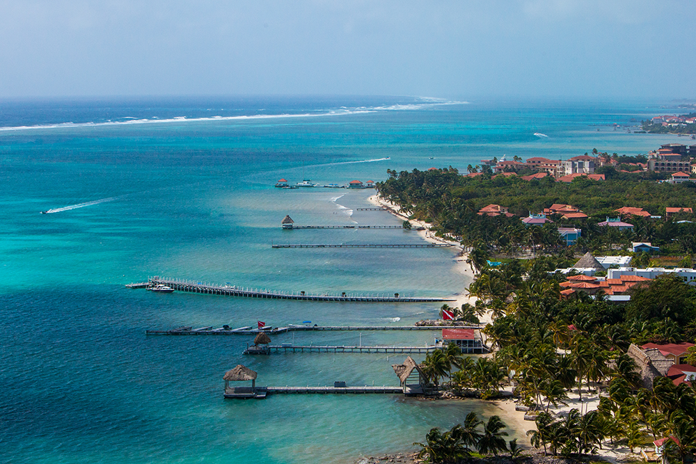 How-to-save-money-on-flights-to-Belize