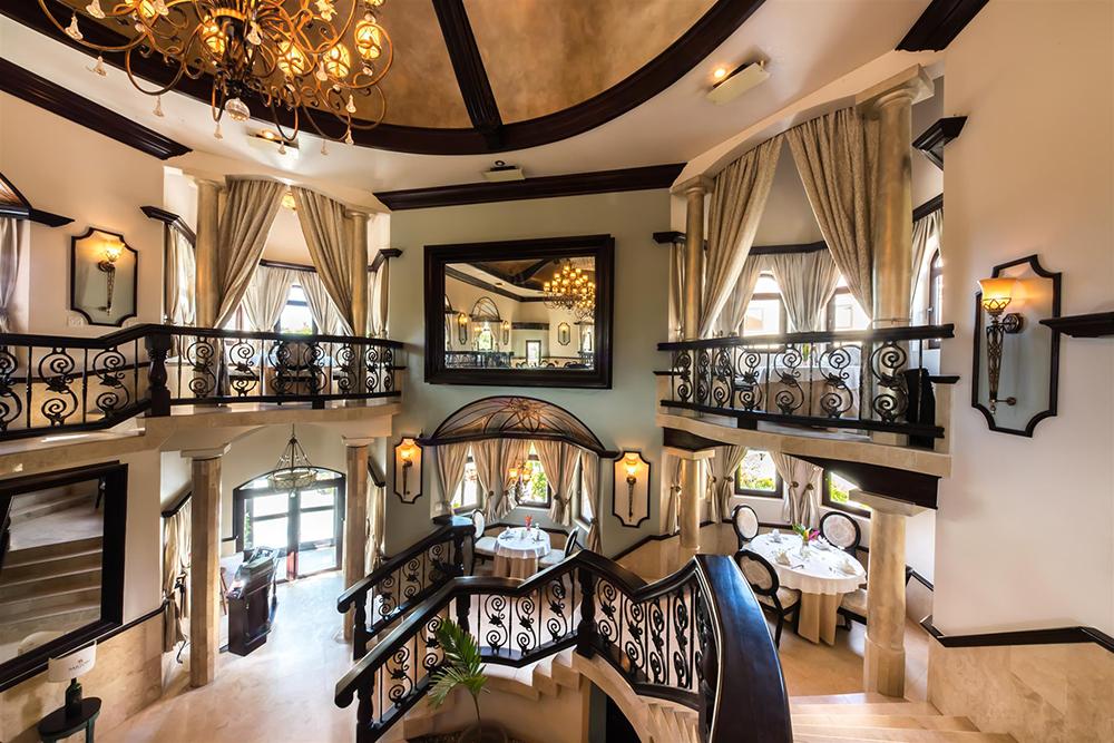 http://www.sandypointresorts.com/wp-content/uploads/2019/07/Cocoblanca-fine-dining-restaurant.png