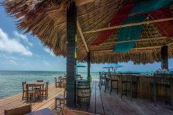 Mari'y-harr Beach Bar