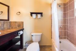 Garden-Villa-bathroom-full-view